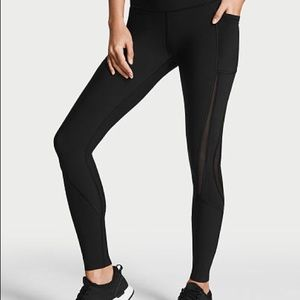 VSX Knockout Tight with Mesh Size M Short